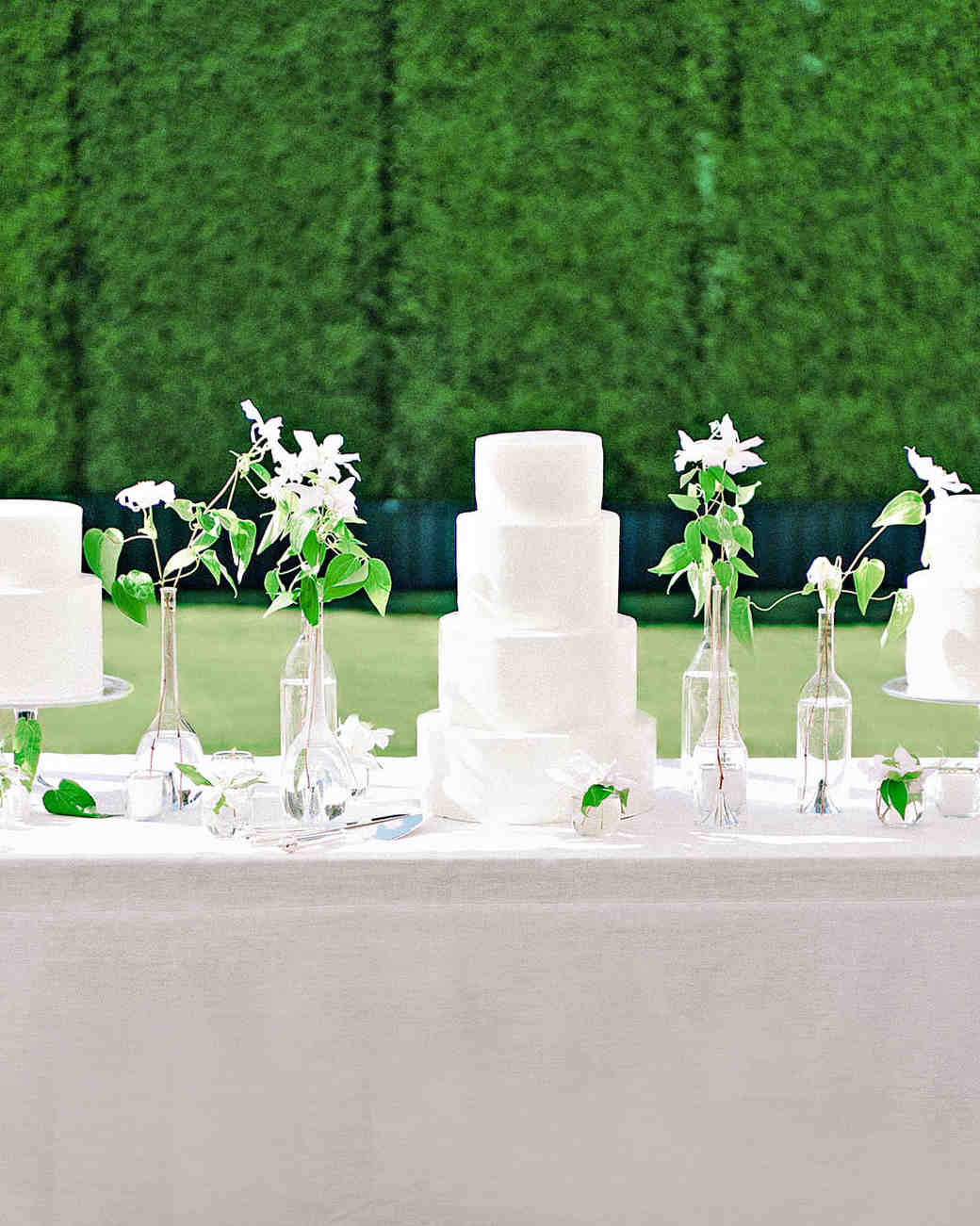 perri phillip wedding california cake table