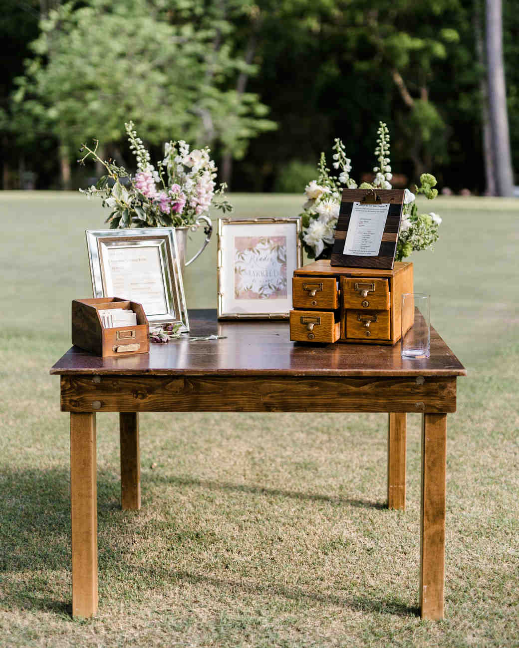 Alternative Wedding Guest Book Ideas: Unique Wedding Guest Book Ideas That Aren't Actually Books