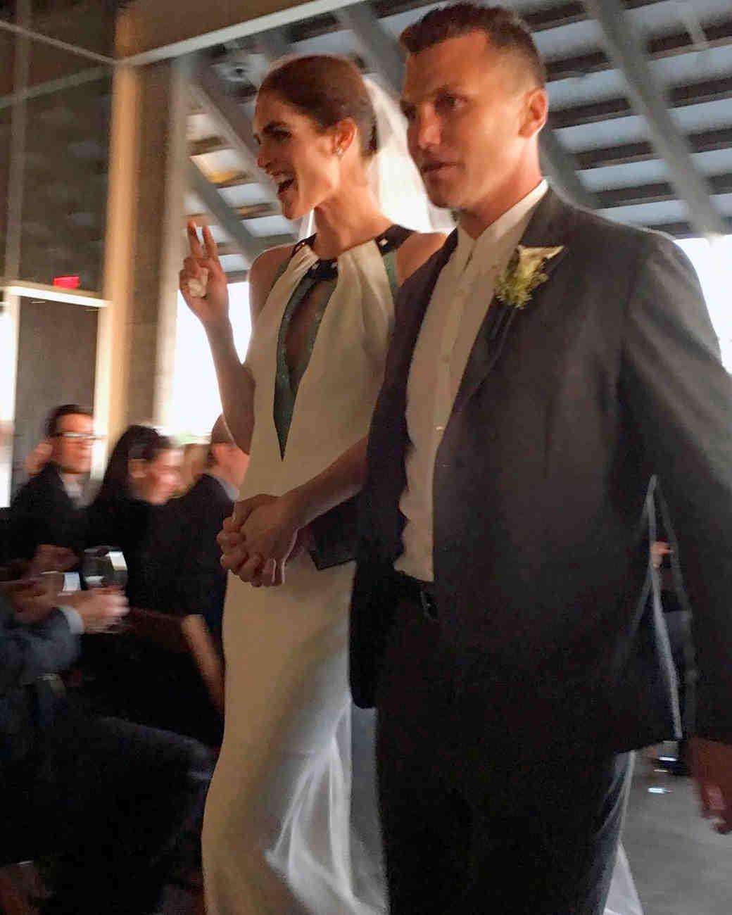 celebrity-wedding-moments-hilary-rhoda-sean-avery-1215.jpg