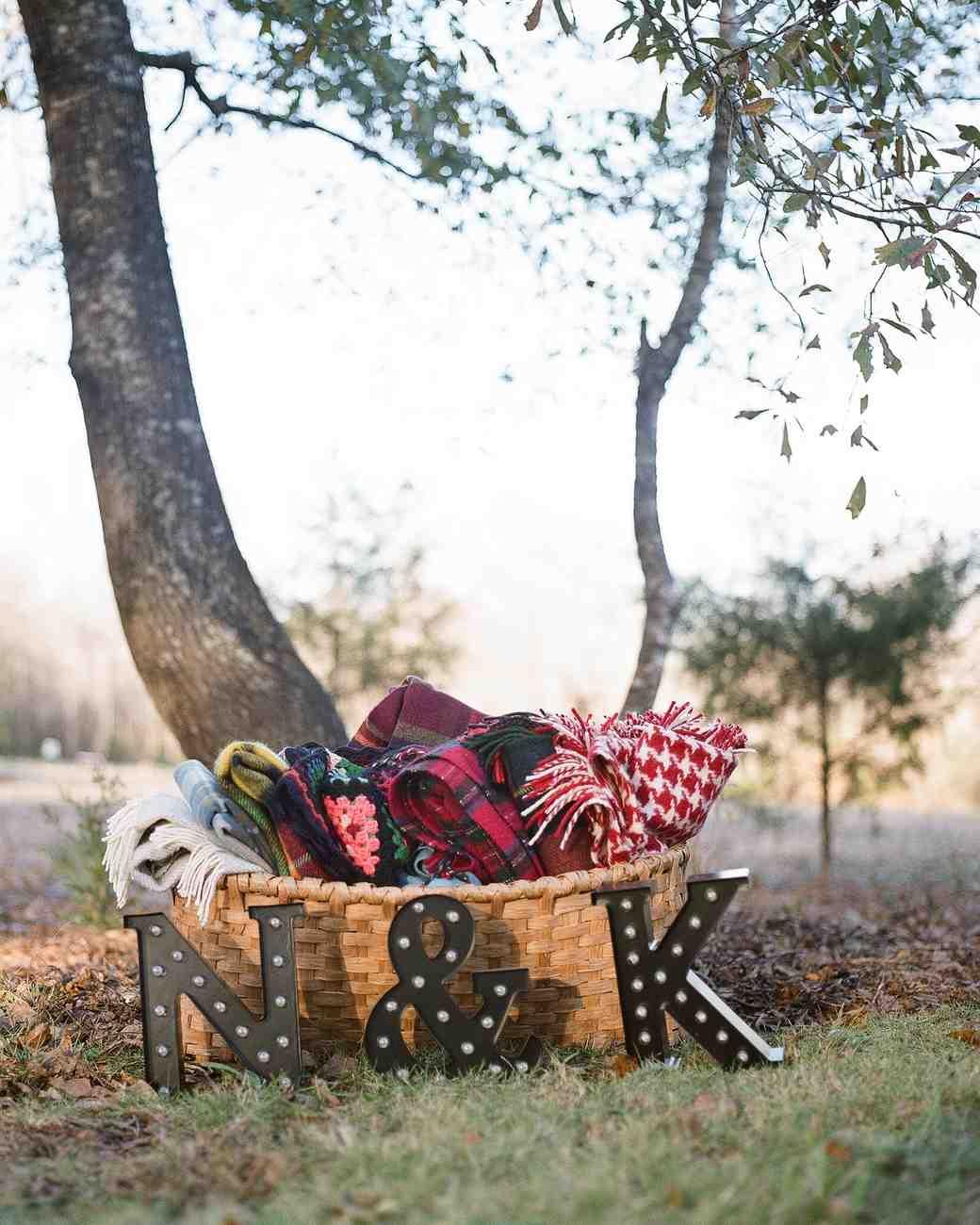 An Intimate Thanksgiving Wedding in Mississippi | Martha Stewart ...