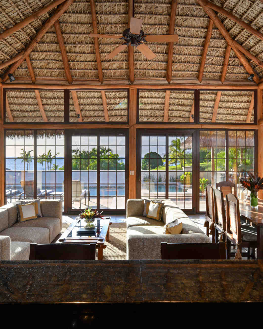 private-islands-paradise-beach-living-dining-room-1015.jpg