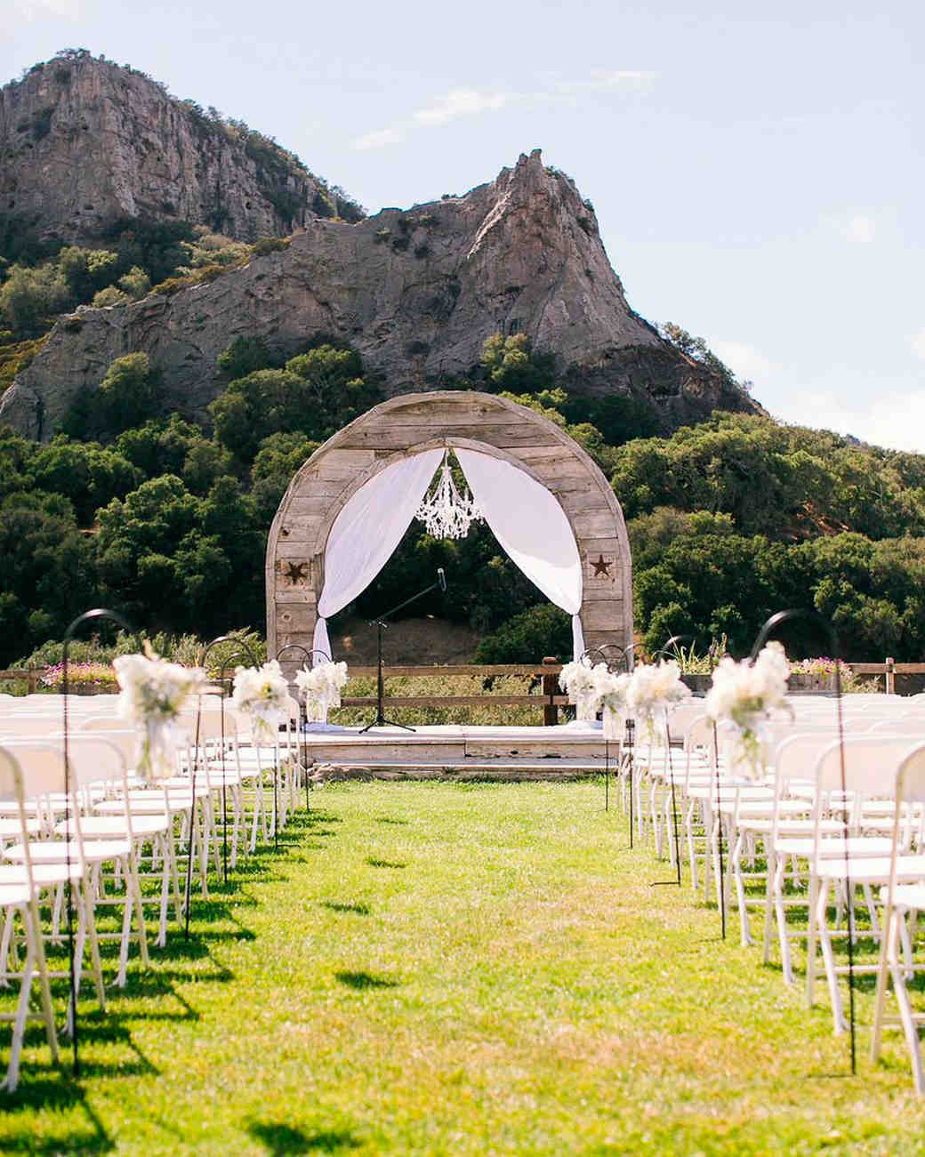 11 rustic wedding venues to book for your big day martha for Best wedding locations in southern california