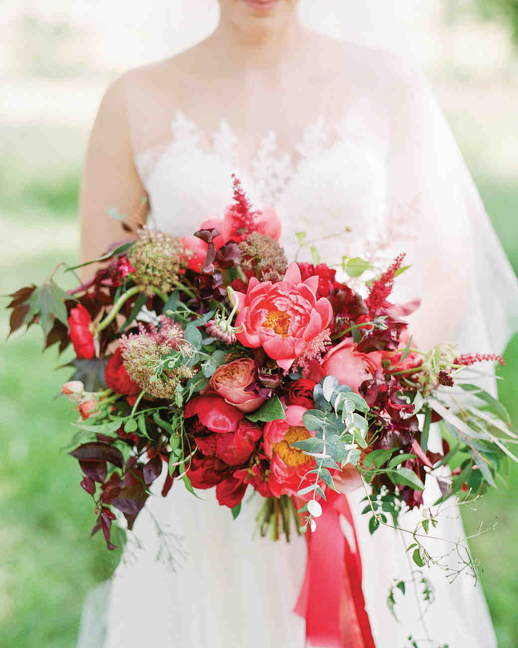 red flowers for wedding 34 wedding bouquets martha stewart weddings 7002