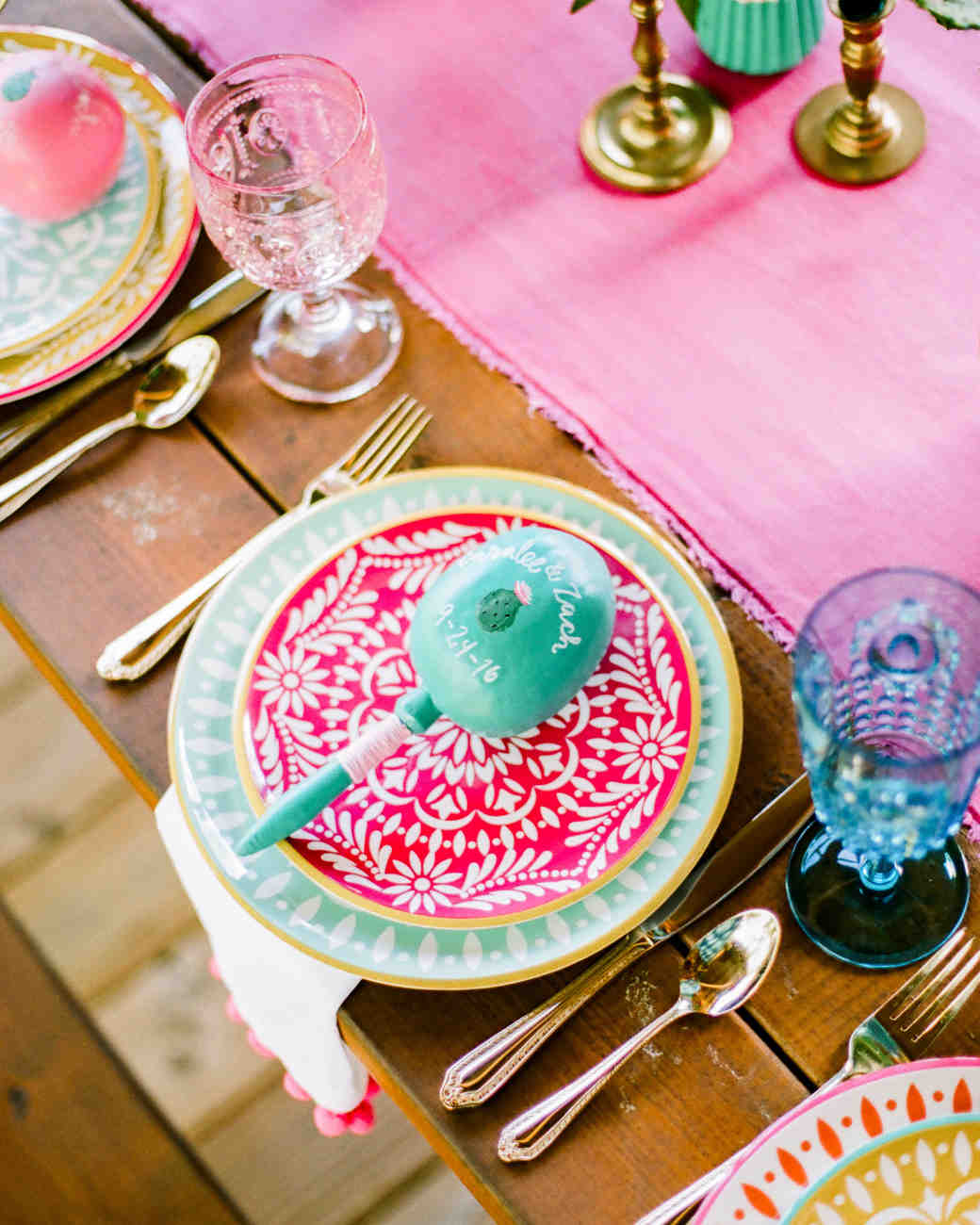 wedding placesetting maraca