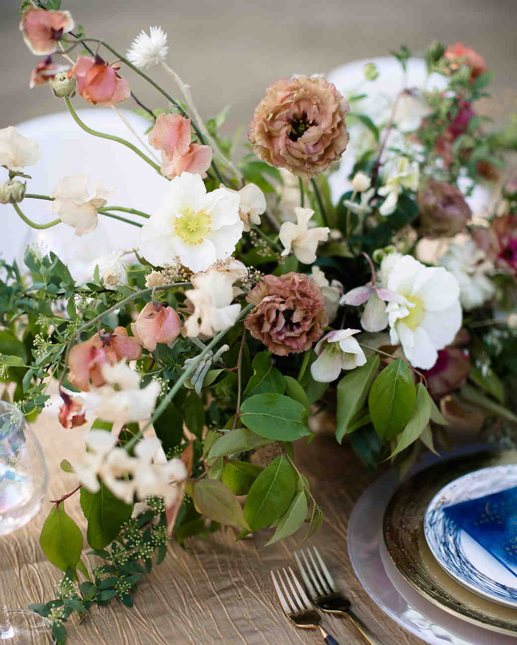24 ways to use in season flowers in your fall wedding arrangements 24 ways to use in season flowers in your fall wedding arrangements martha stewart weddings junglespirit Images
