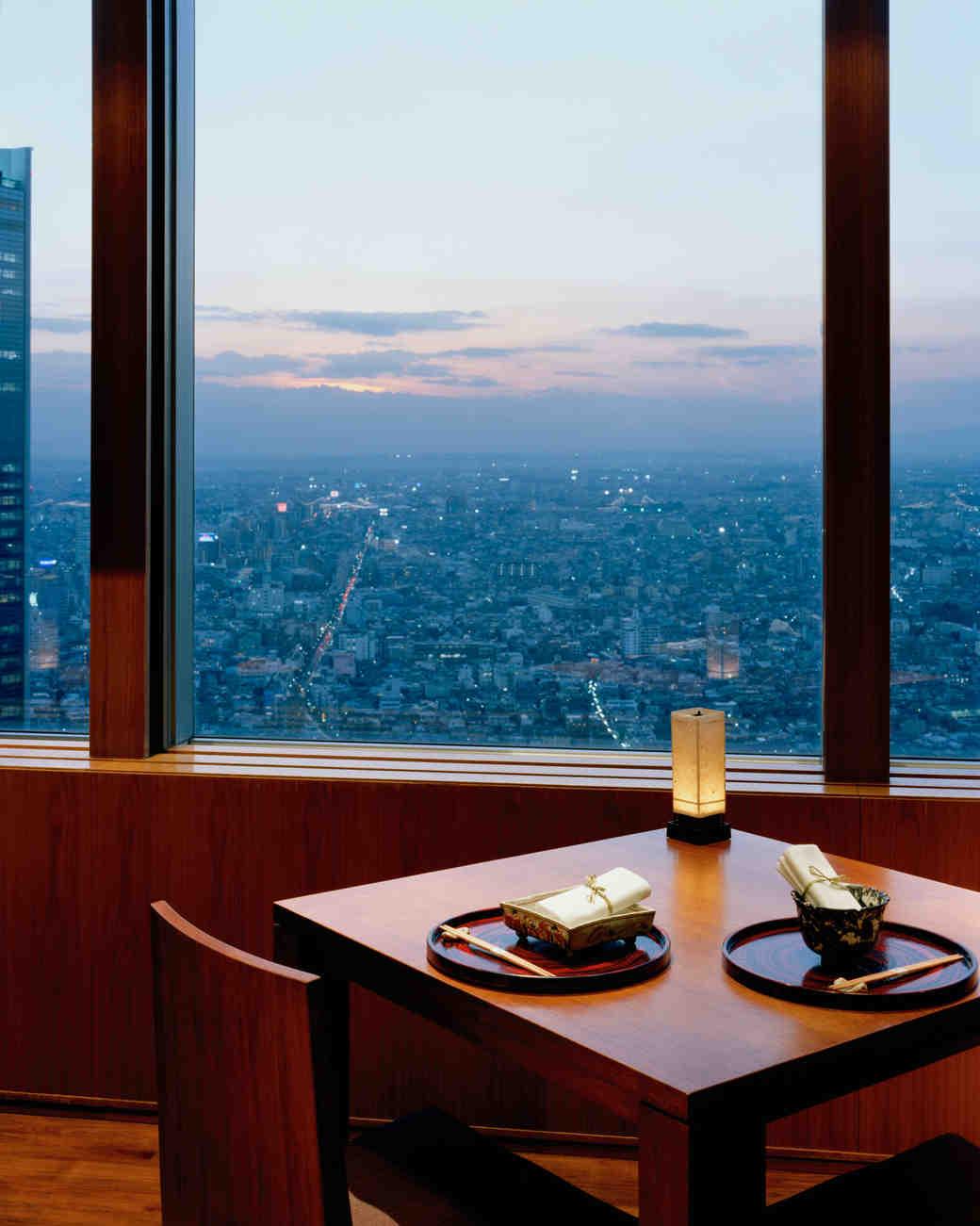 honeymoon-destinations-2015-japan-park-hyatt-tokyo-0115.jpg