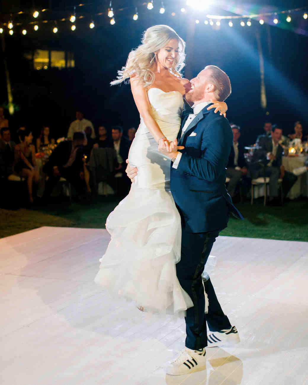 kourtney justin wedding mexico first dance couple