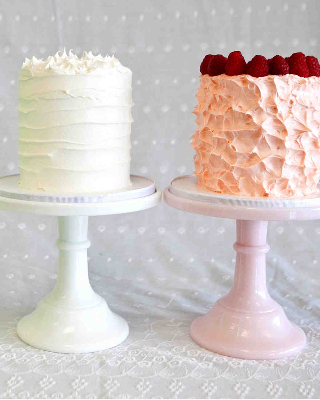 sweetened whipped cream wedding cake frosting a sweet guide to choosing a frosting for your wedding cake 20695