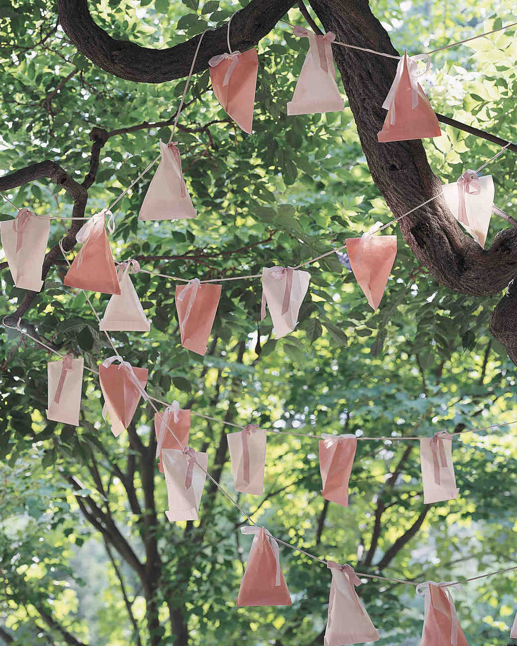 garden wedding decoration ideas outdoor wedding decorations that are easy to diy martha 4444