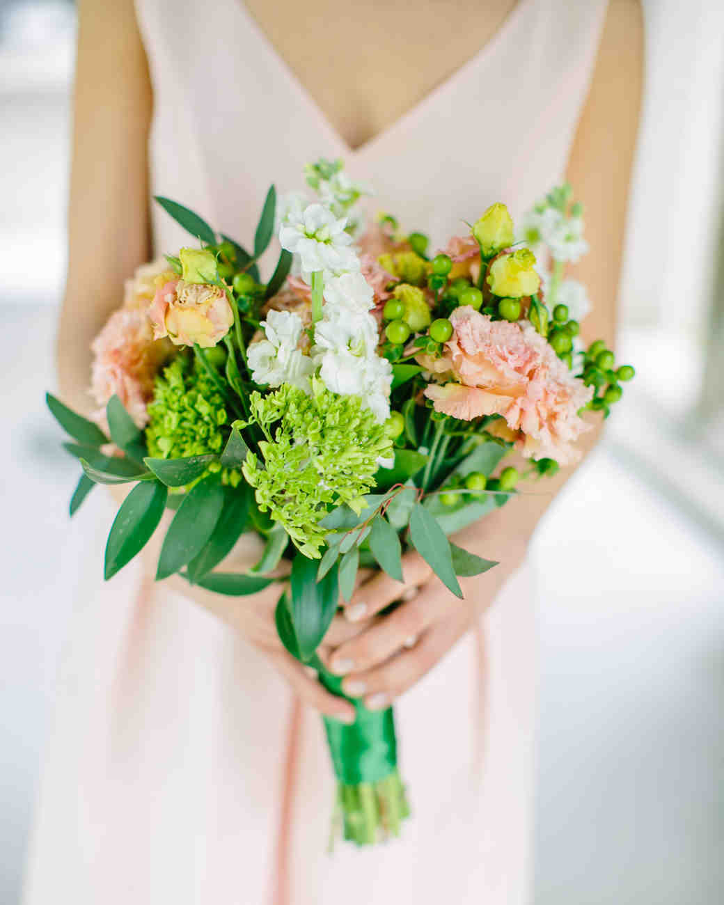 spring wedding bouquet flowers the 50 best wedding bouquets martha stewart weddings 7631