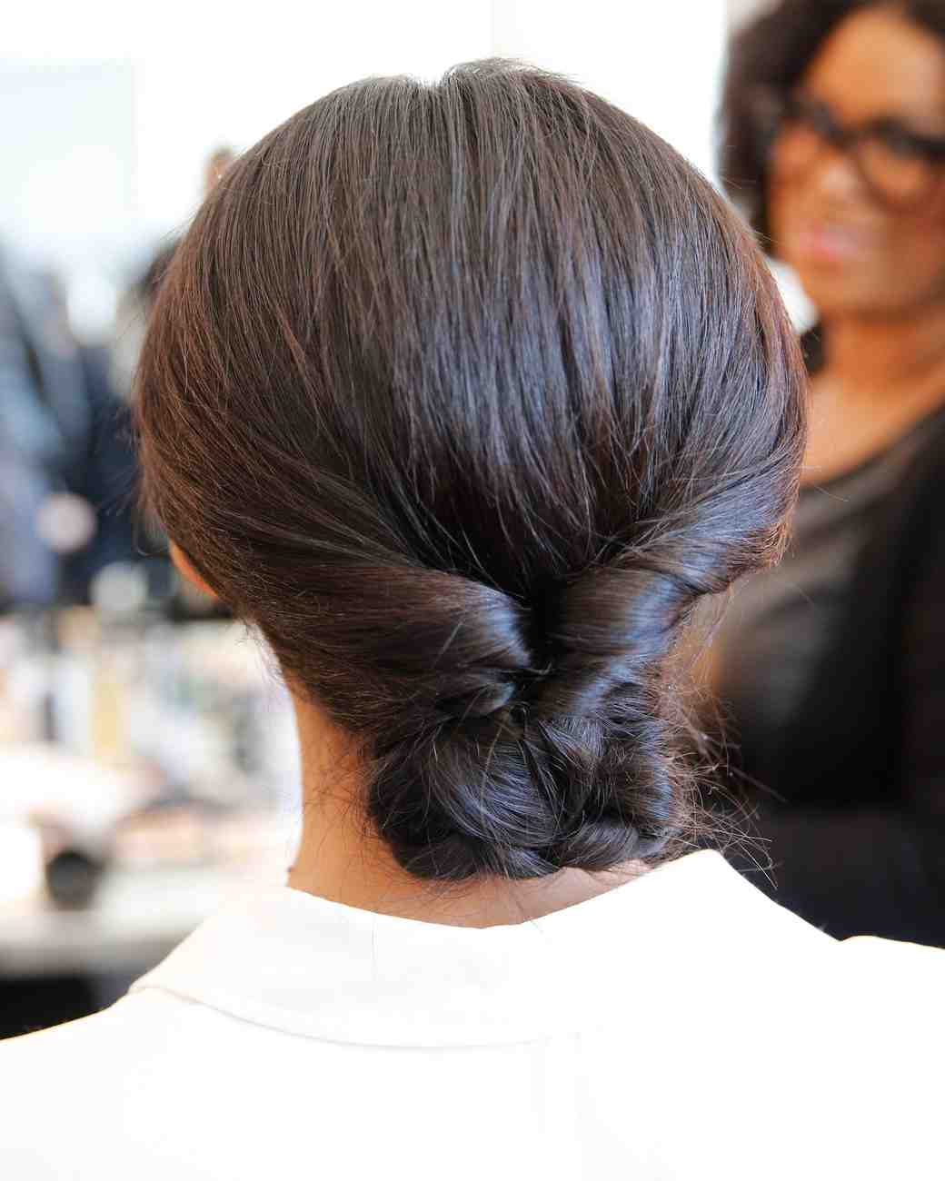 bridal-fashion-hairstyles-marchesa-spring-2017-back-0416.jpg