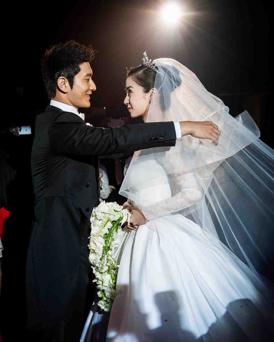 celebrity-wedding-moments-angelababy-huang-xiaoming-1215.jpg