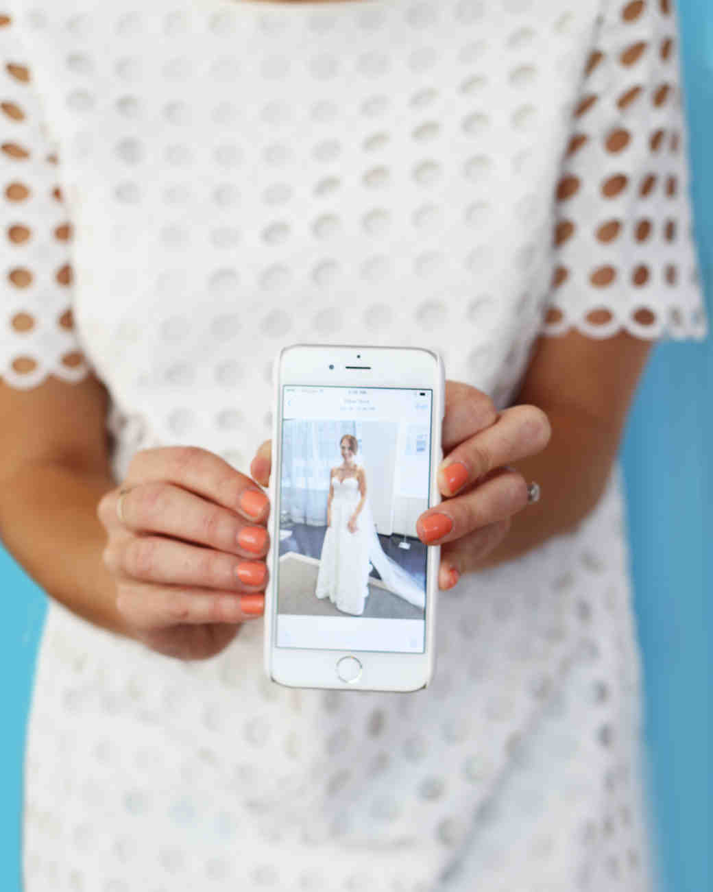 f3afd1cd12e5 7 Unexpected Tips to Find the Wedding Dress of Your Dreams | Martha Stewart  Weddings