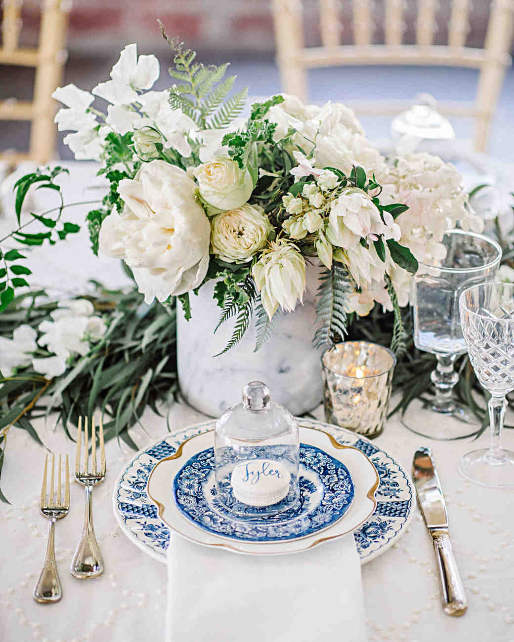 Hydrangea wedding flower arrangements martha stewart weddings 79 white wedding centerpieces junglespirit Image collections