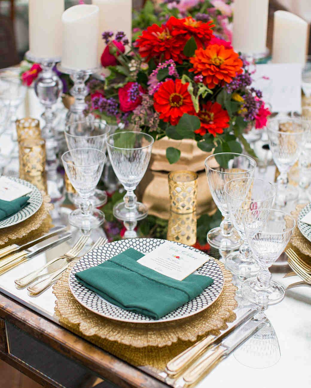 madelyn jon wedding place setting