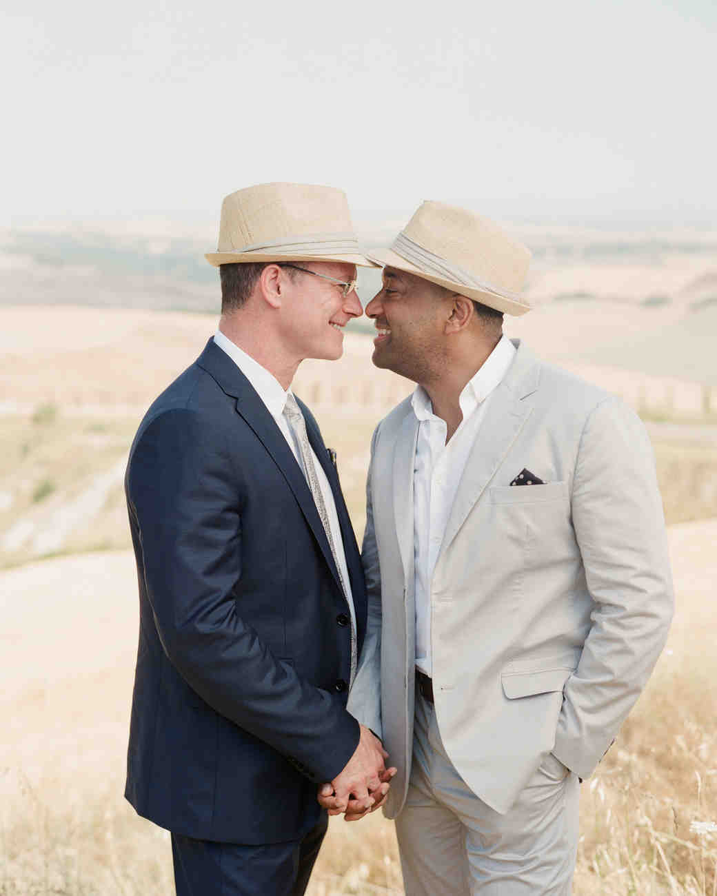 dennis-bryan-wedding-italy-couple-grooms-016-0250-s112633.jpg