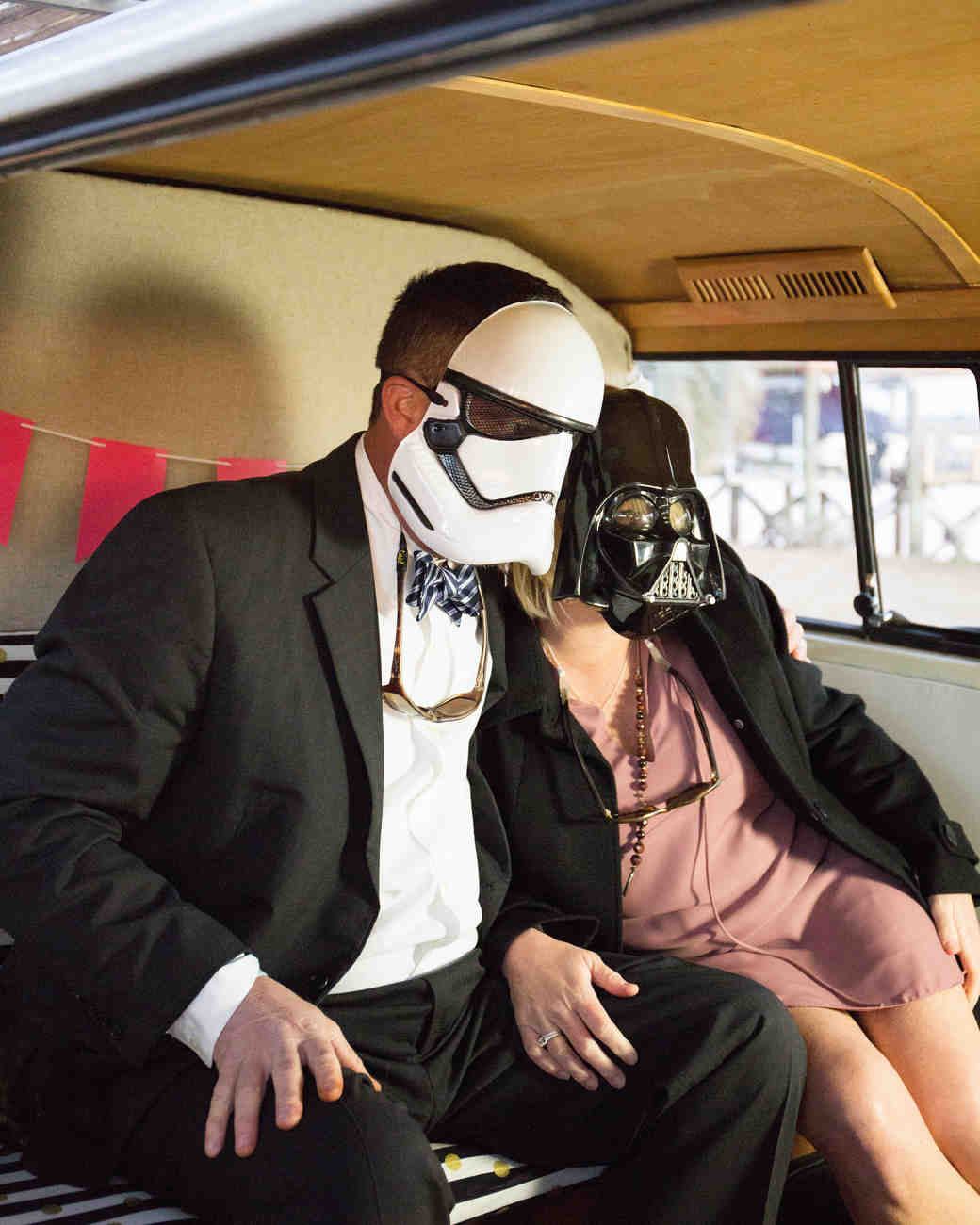 photo prob star wars face mask couple inside bus