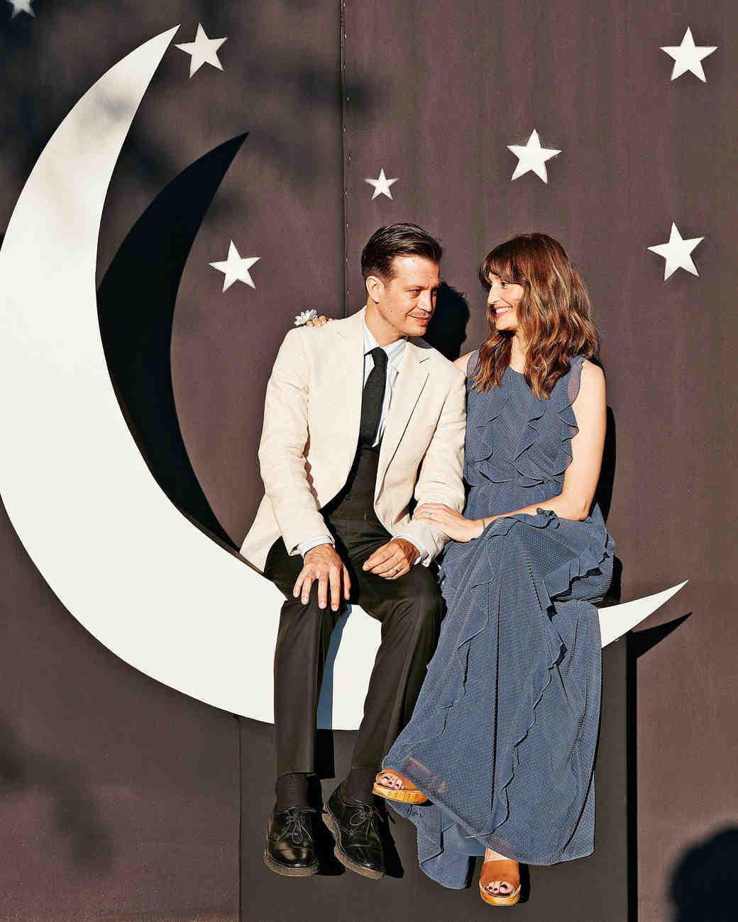 avril quy wedding new york celestial photo booth moon stars