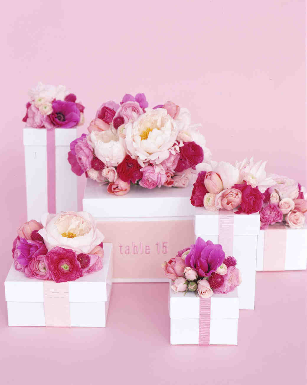 diy-floral-favors-pink-flowers-boxes-centerpiece-sp02-0615.jpg