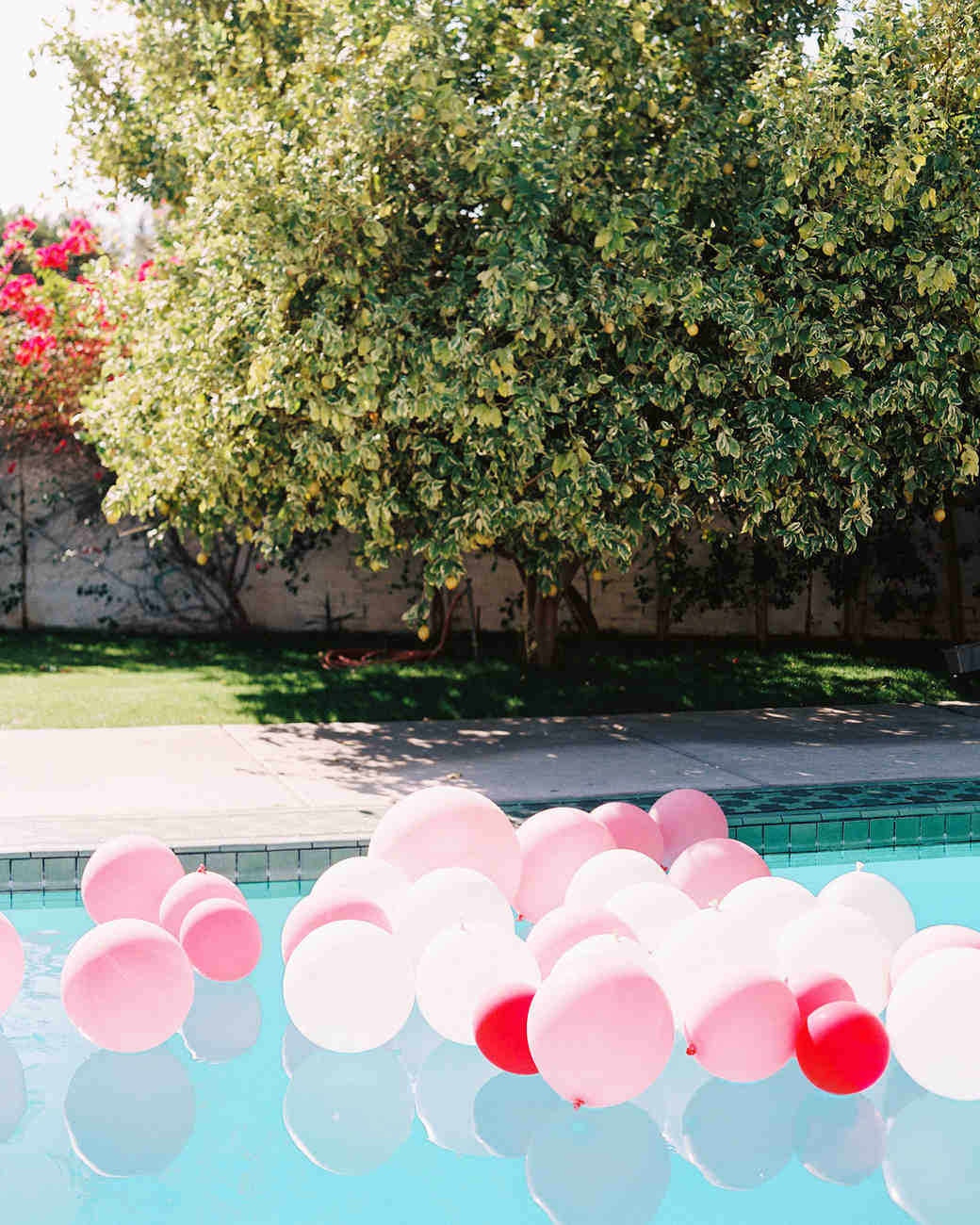 kelly-jeff-wedding-palm-springs-balloons-pool-0125-s112234.jpg