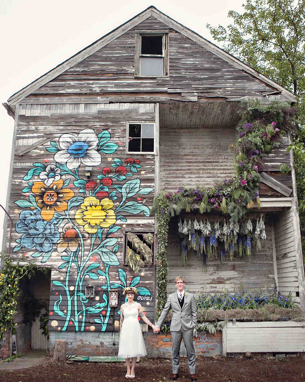 A unique wedding in an old flower filled detroit house martha a unique location junglespirit Choice Image