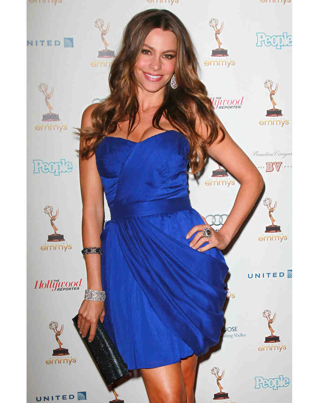 sofia-vergara-red-carpet-emmys-royal-blue-short-dress-0815.jpg