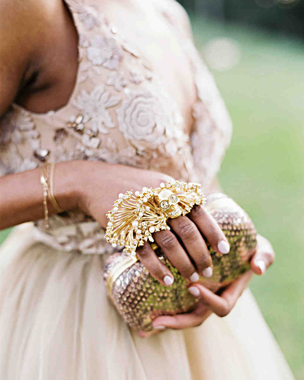amanda william wedding tennessee bride clutch jewelry
