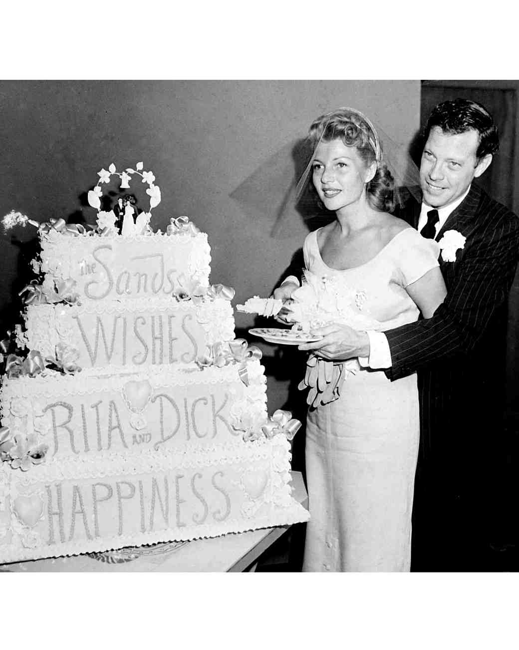 16 Vintage Celebrity Wedding Cakes You\'ve Probably Never Seen ...