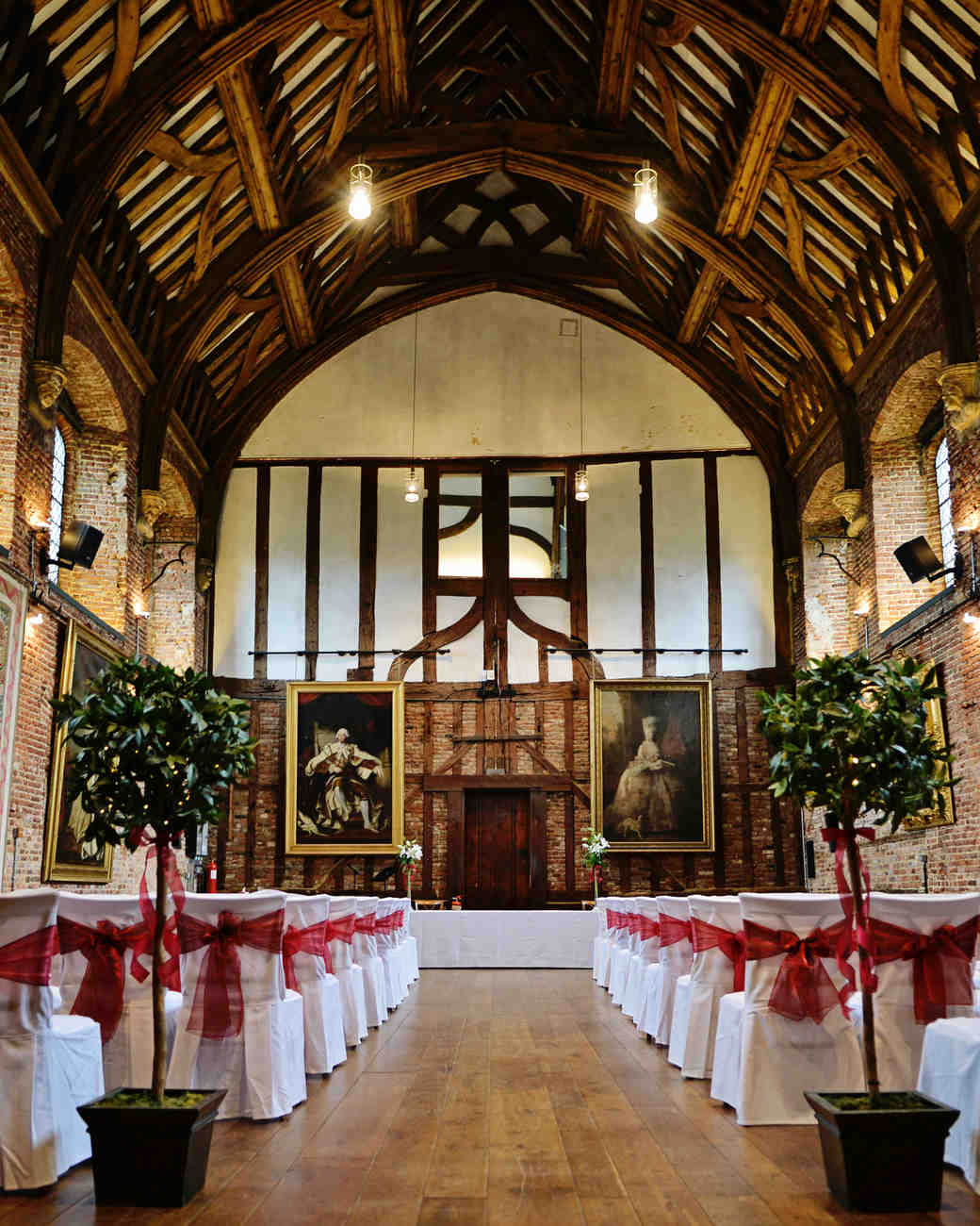 filming-locations-wedding-venues-hatfield-house-batman-0215.jpg