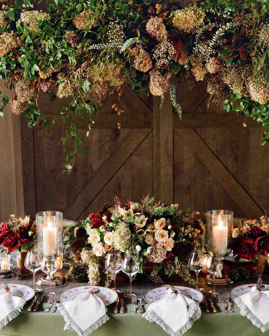 24 Dried Flower Arrangements That Are Perfect For A Fall Wedding