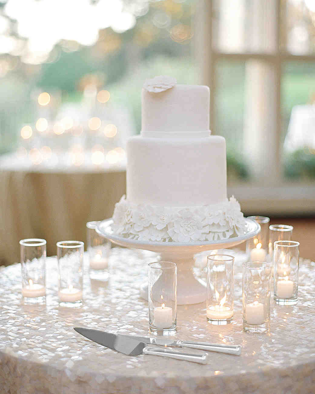 wedding-cake-votive-candle-elizabeth-messina-021-mwds110806.jpg