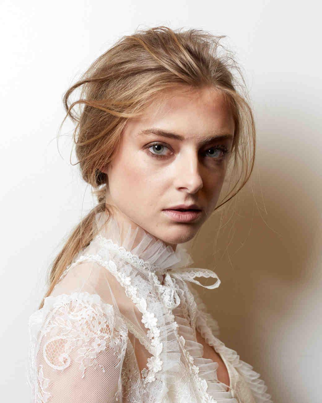 expert-beauty-tips-claire-pettibone-spring2016-lipstick-0415.jpg