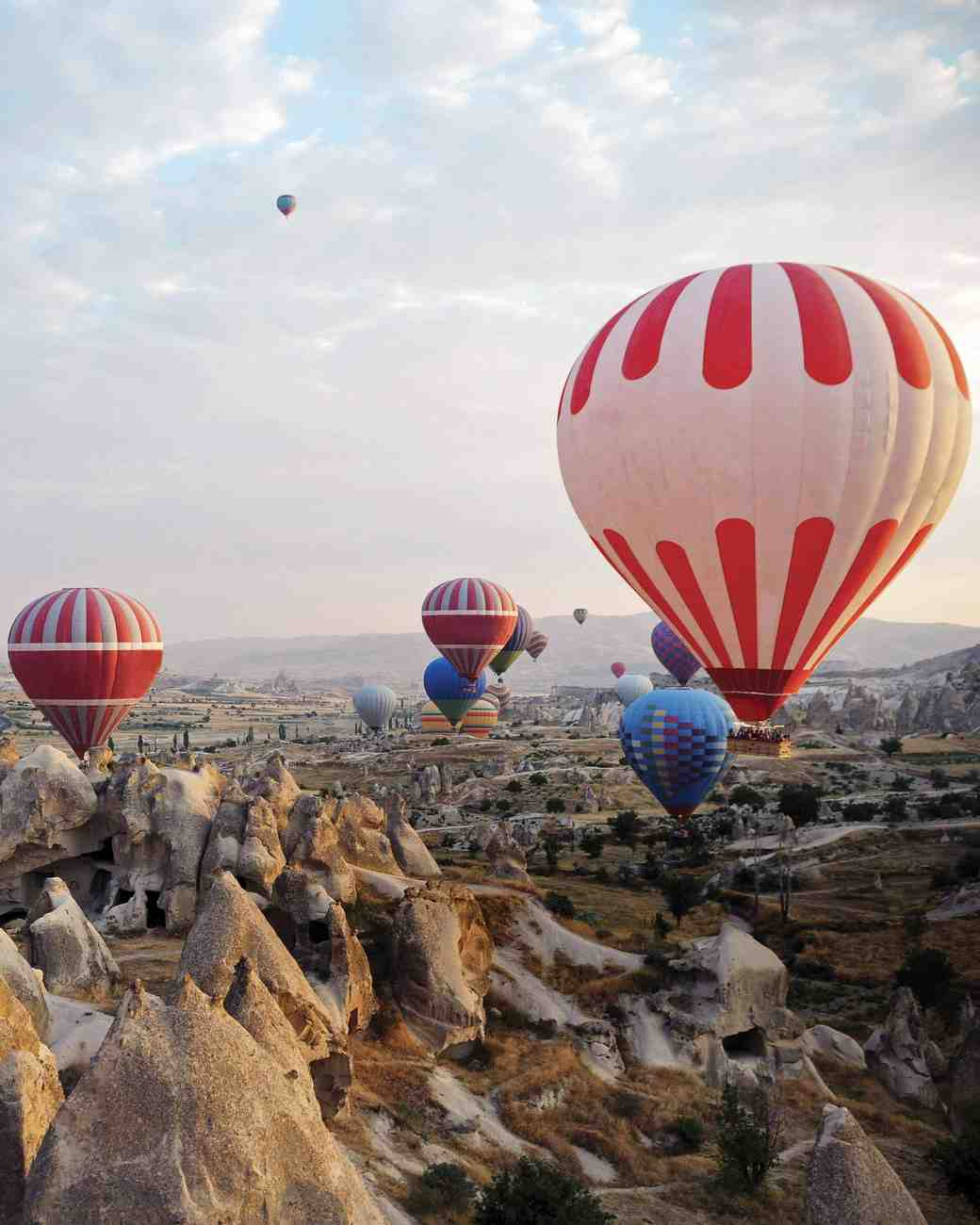 travel-honeymoon-diaries-hot-air-balloons-over-turkey-112965.jpg