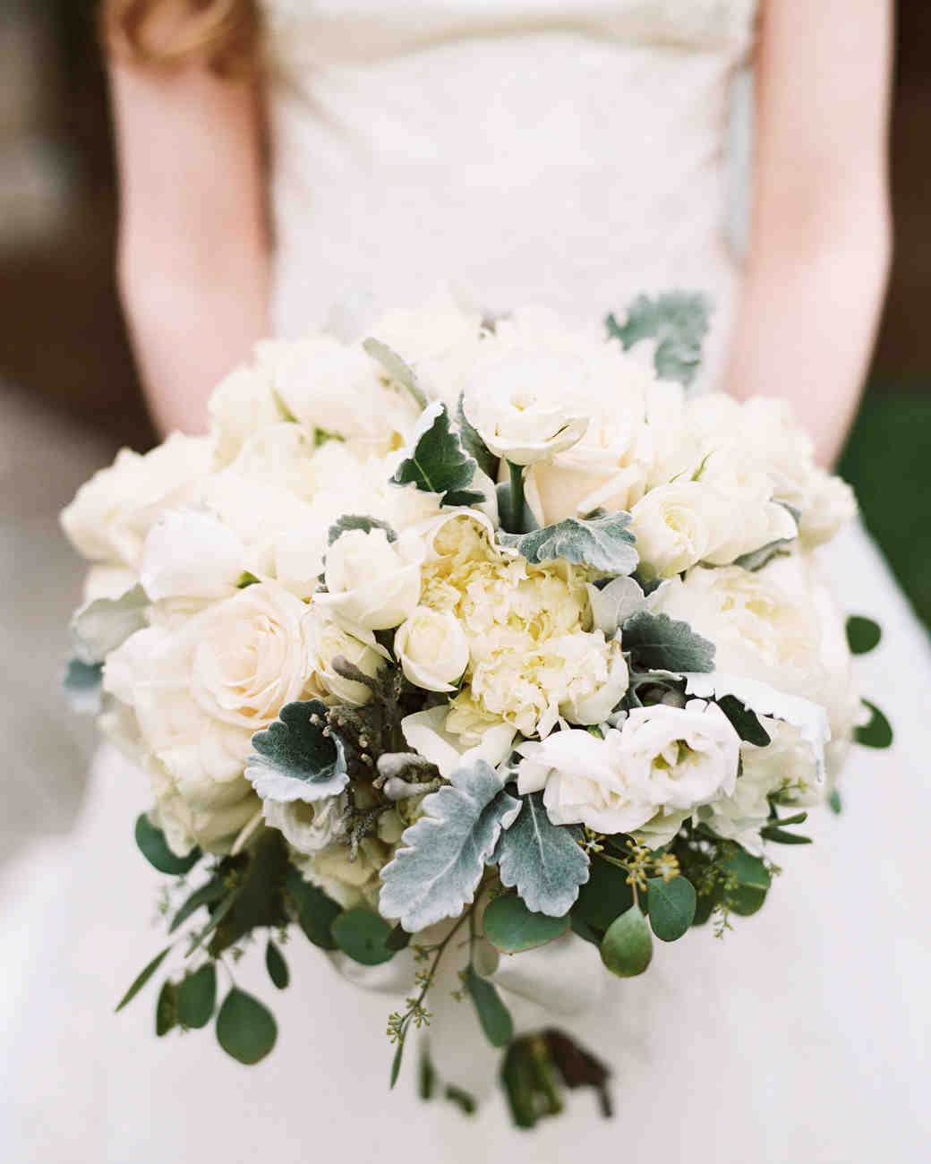 textured white bouquet
