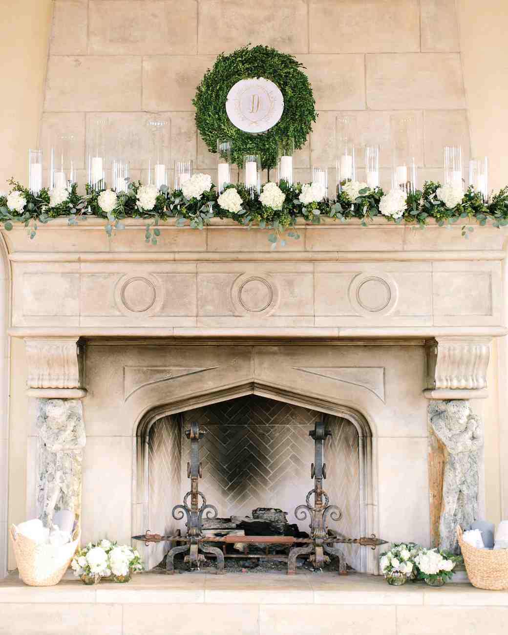 mmallory-diego-wedding-texas-fireplace-with-crest-082-s112628.jpg