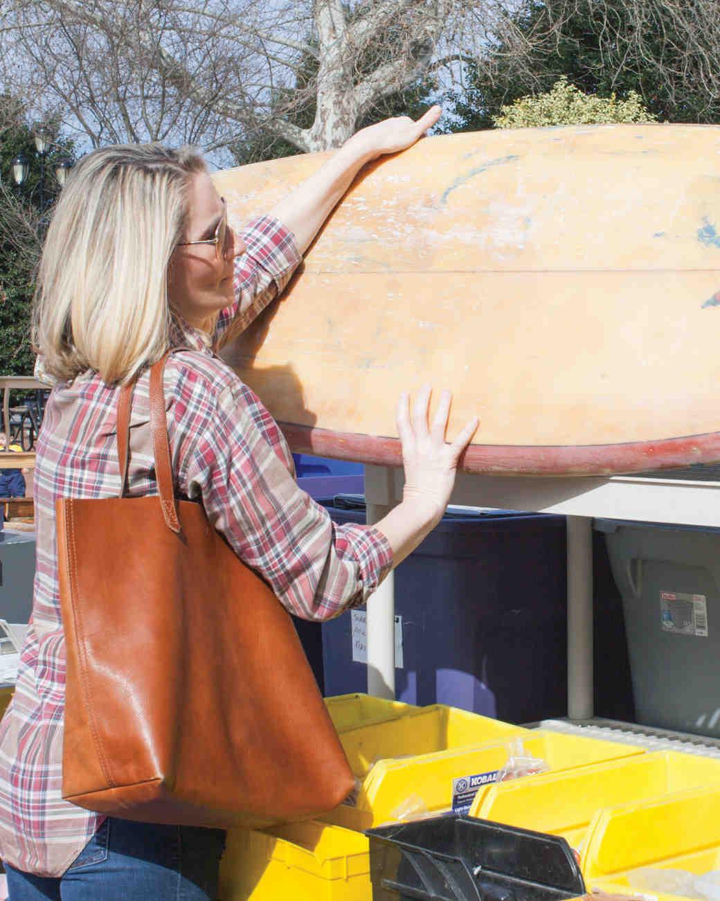 rustic-wedding-handbook-flea-market-tips-maggie-surfboard-0814.jpg