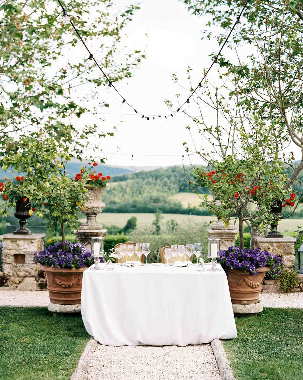 alexis zach wedding italy sweet heart table