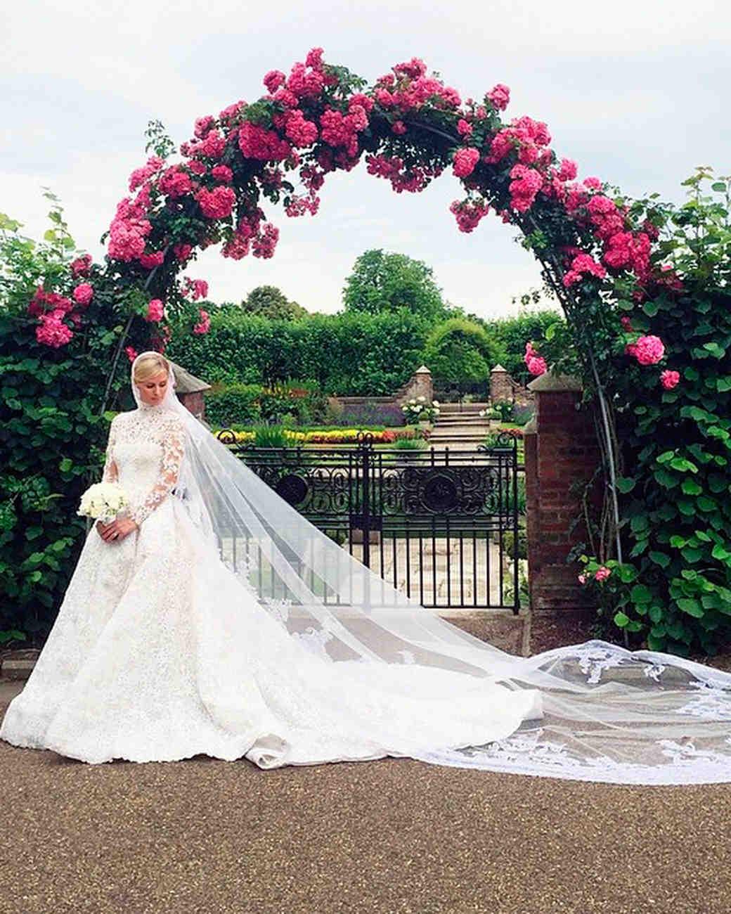 celebrity-wedding-moments-nicky-hilton-rothschild-in-dress-1215.jpg