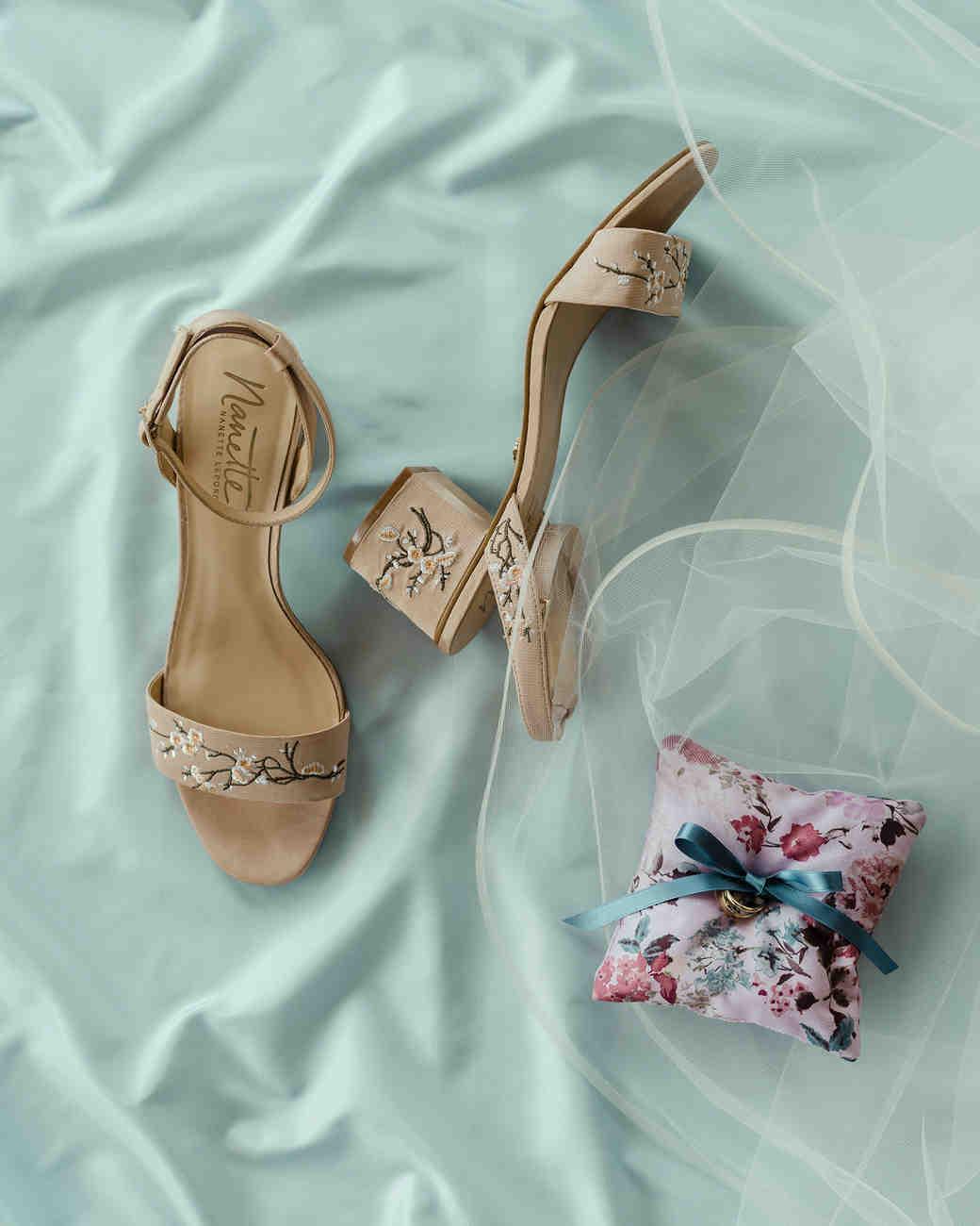 emer cooper wedding wisconsin accessories