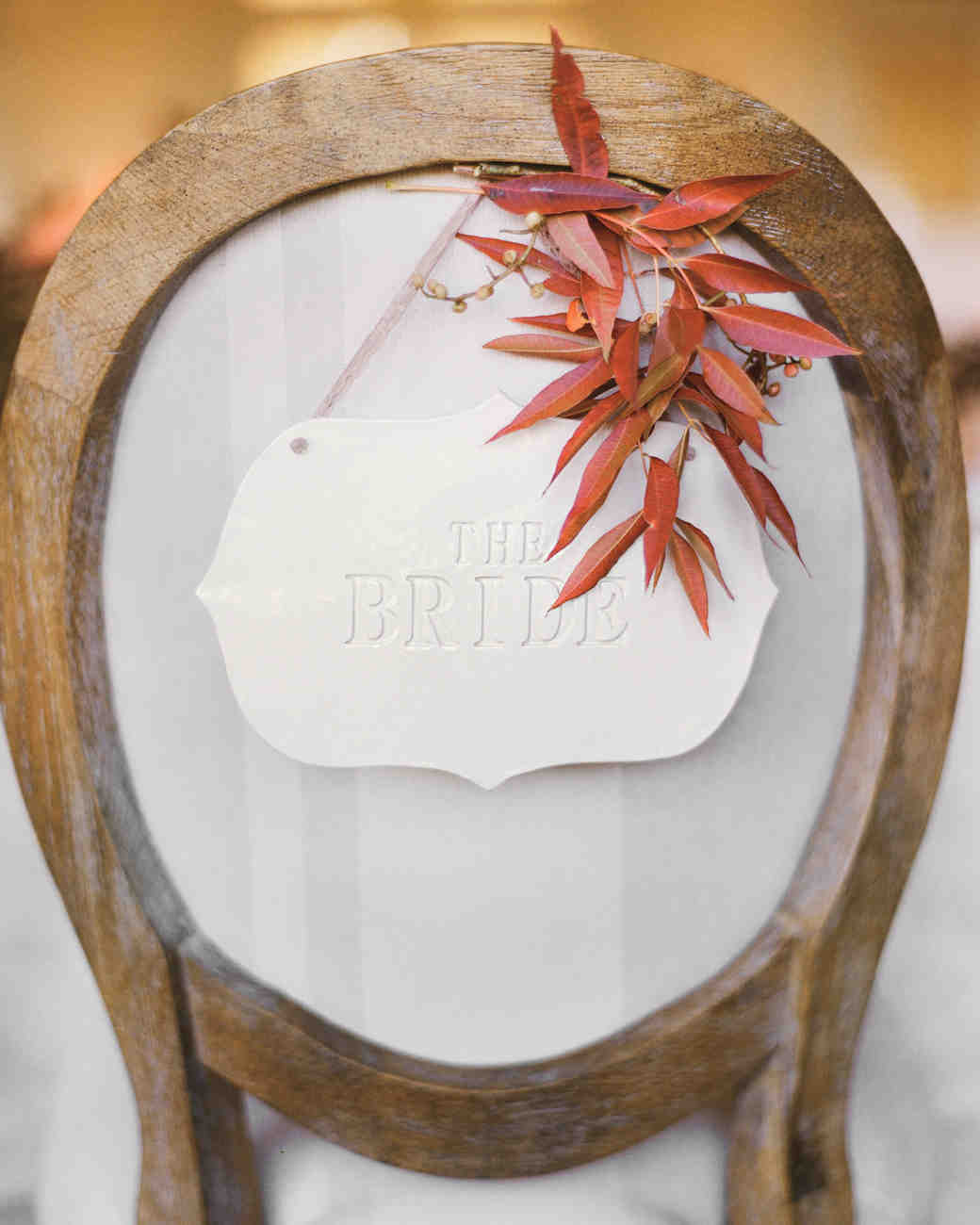 wooden-chair-bride-autumn-leaf-elizabeth-messina-162-mwds110806.jpg