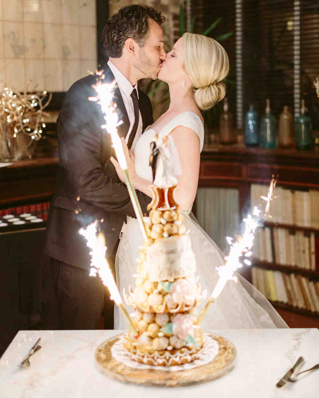 wedding cake toppers sparklers an intimate wedding in the countryside 26597