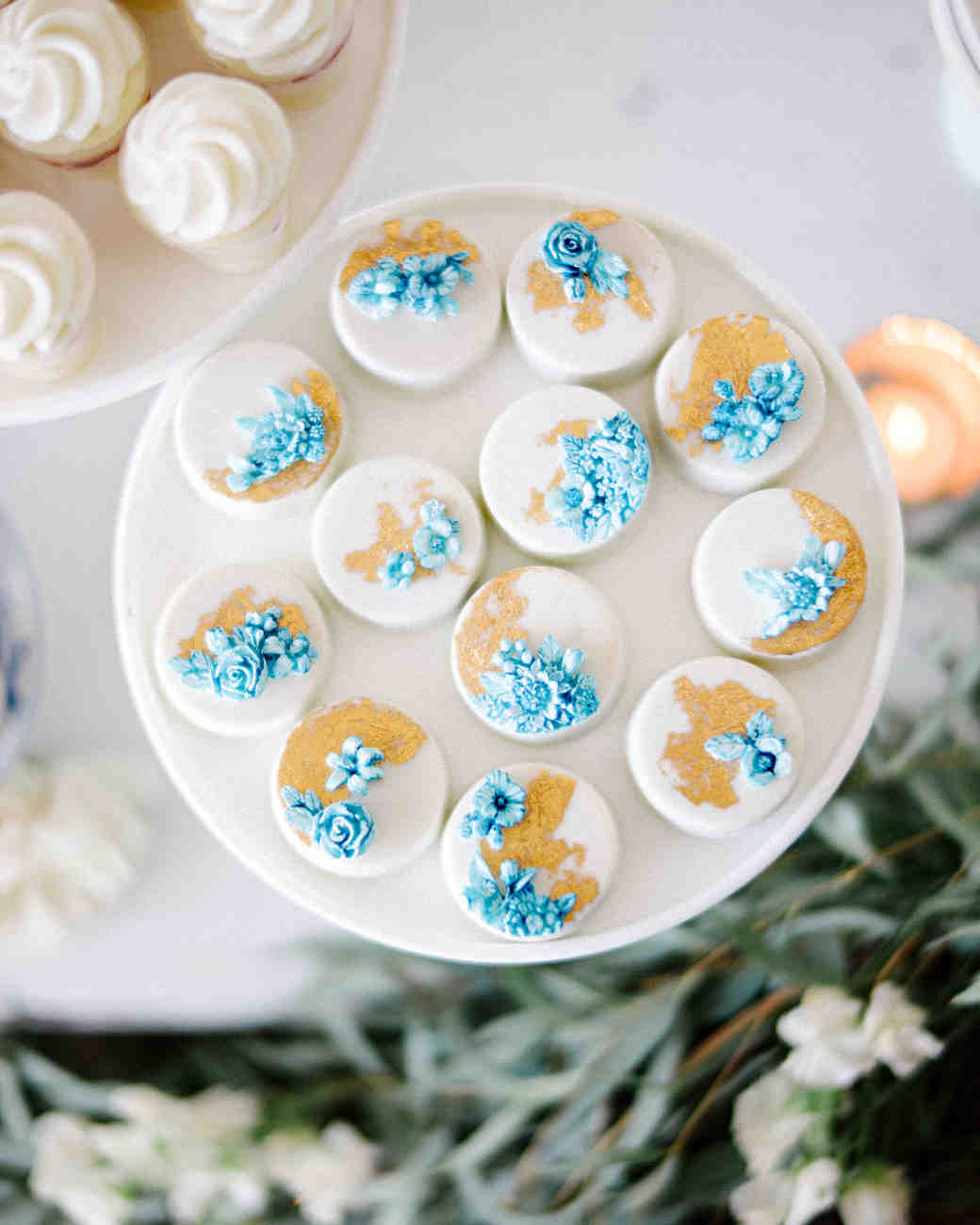 hannah steve wedding california chocolate-dipped oreos