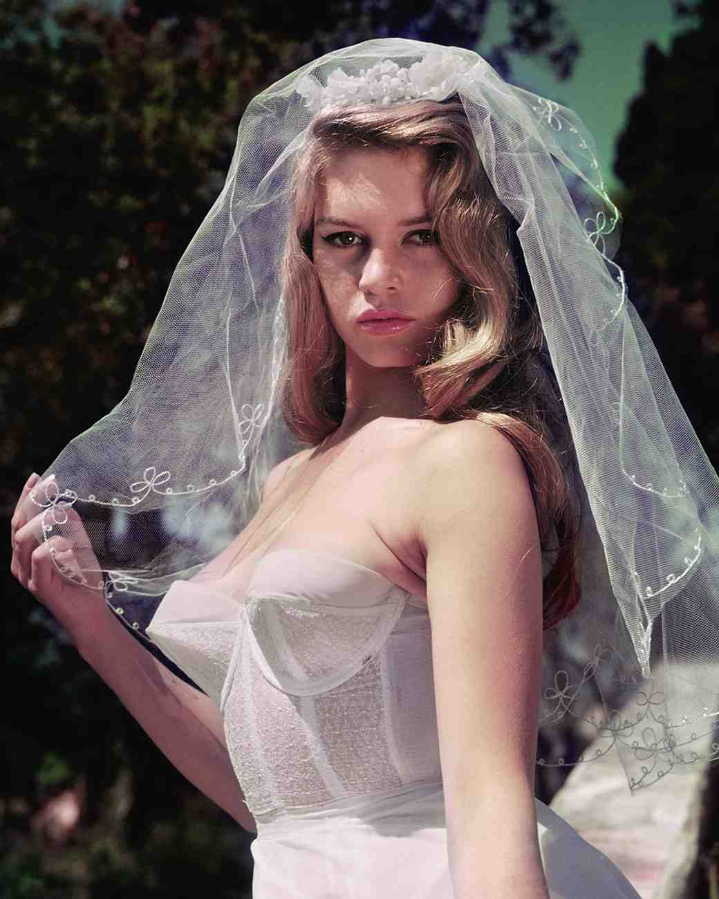 movie-wedding-dresses-and-god-created-woman-brigitte-bardot-0316.jpg