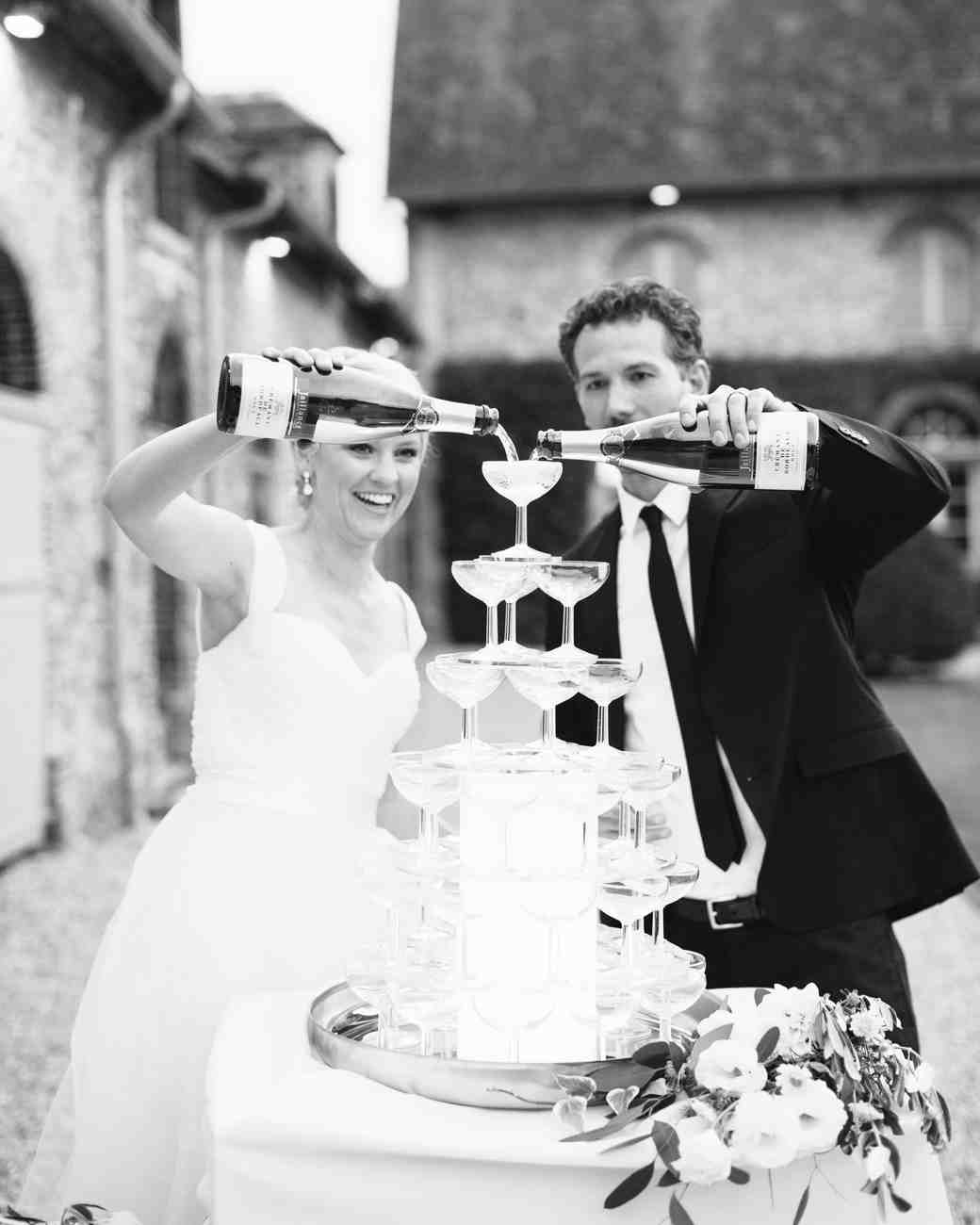 anneclaire-chris-wedding-france-champagne-tower-064-s113034-00716.jpg