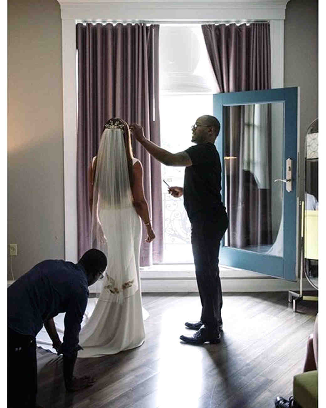 celebrity-wedding-moments-vanessa-williams-finishing-touches-1215.jpg