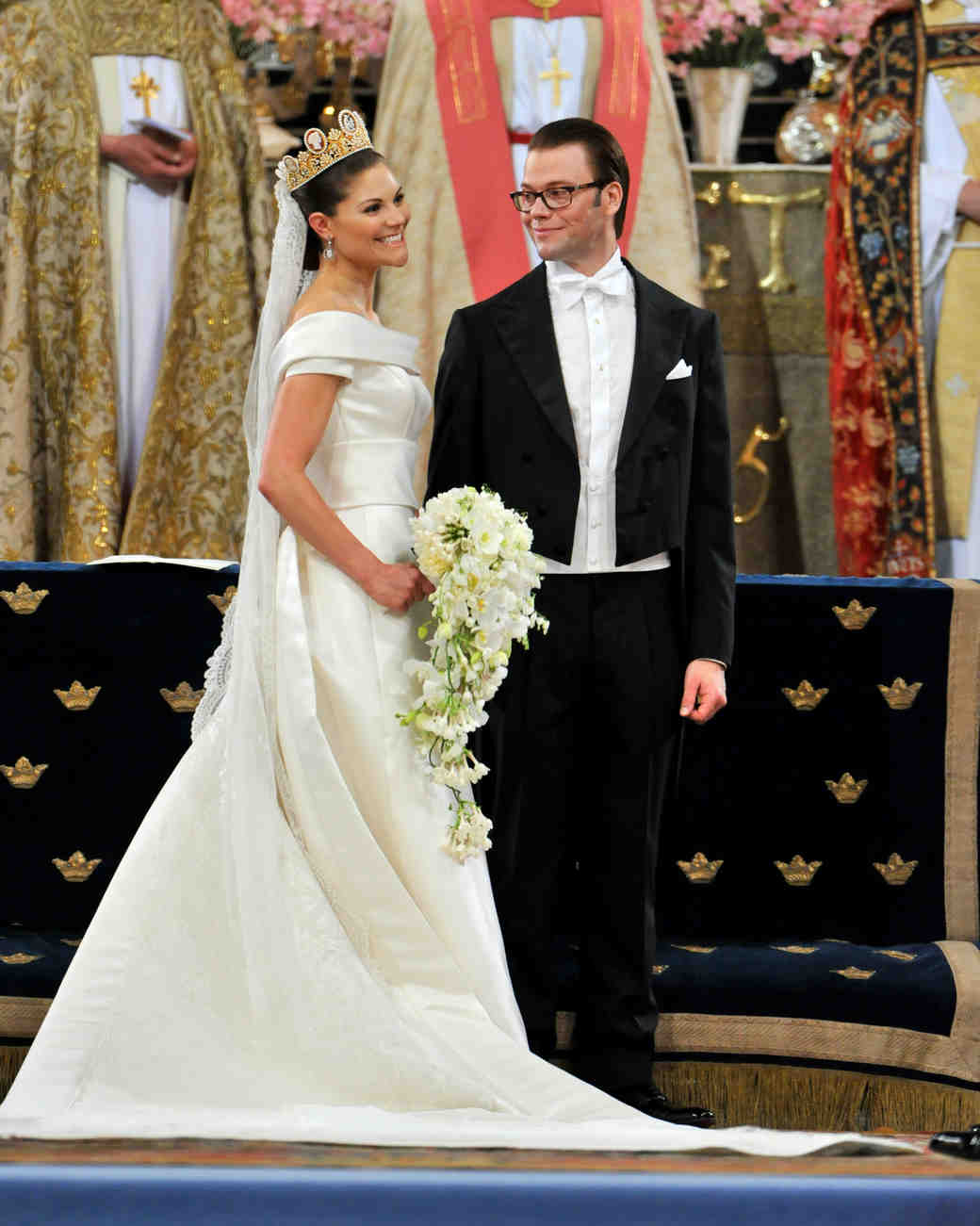 royal-wedding-dress-crown-princess-victoria-sweden-102227759-1115.jpg