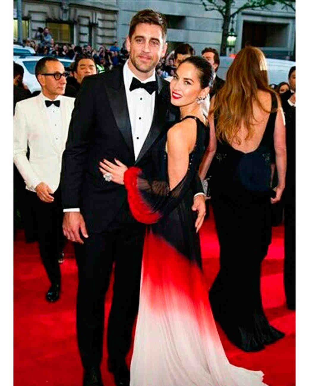 celebrity-couples-we-hope-get-engaged-olivia-munn-aaron-rodgers-1215.jpeg