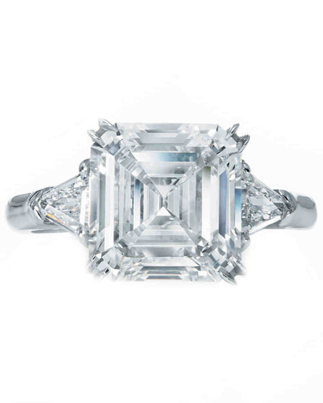 winston_87736_88149_87737_diamond_cushion_cut_solitaire_ring_with_baguettes_1_b.jpg