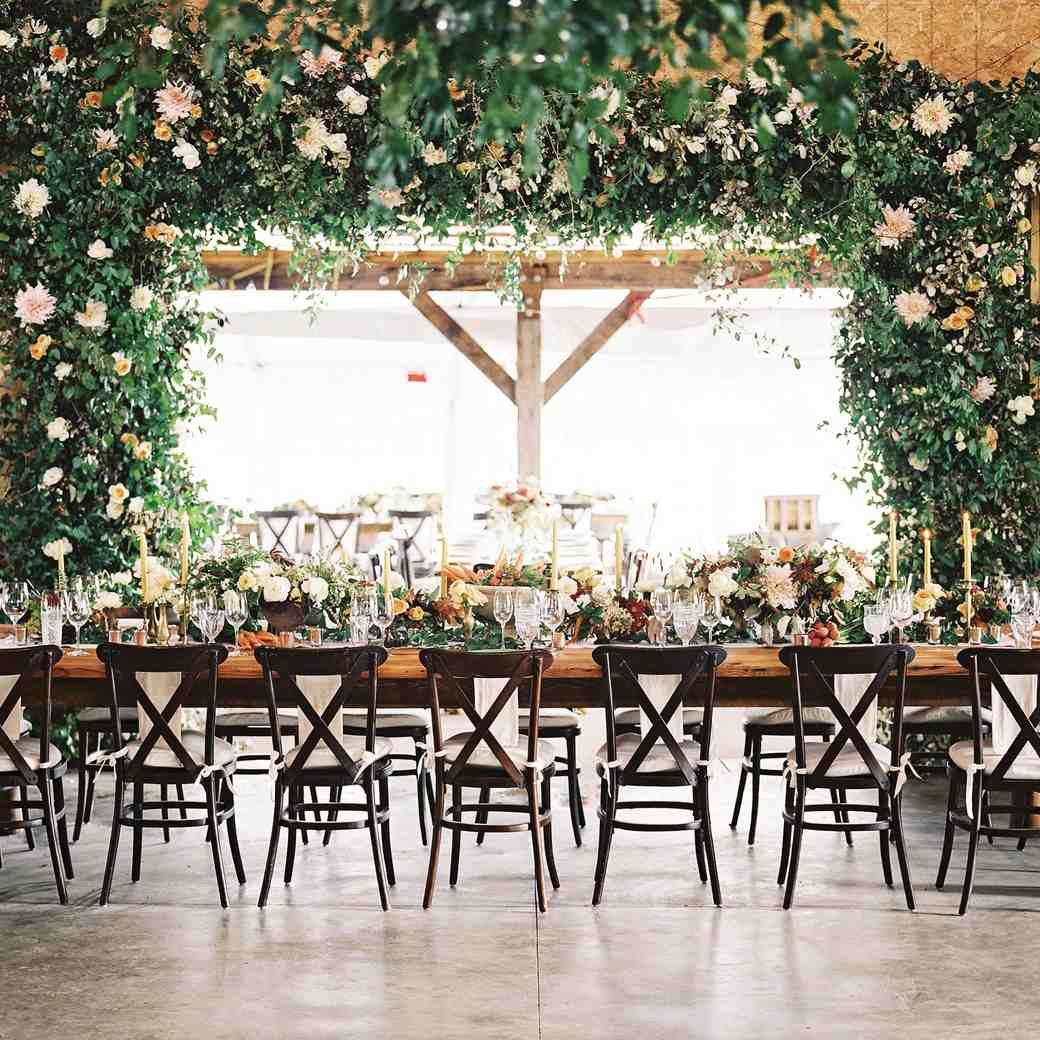 28 Ideas For Sitting Pretty At Your Head Table