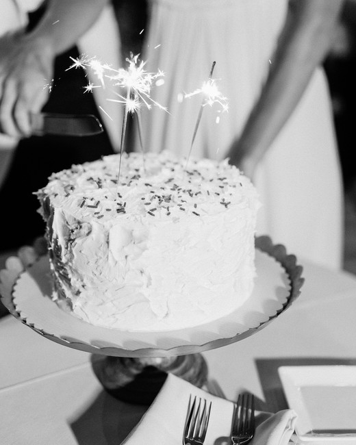 beth john wedding cake with sparklers